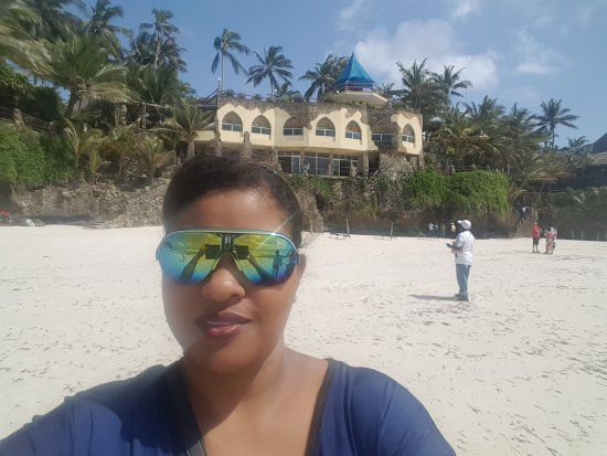 Bahari Beach Hotel: My sister and I had a lovely weekend in september