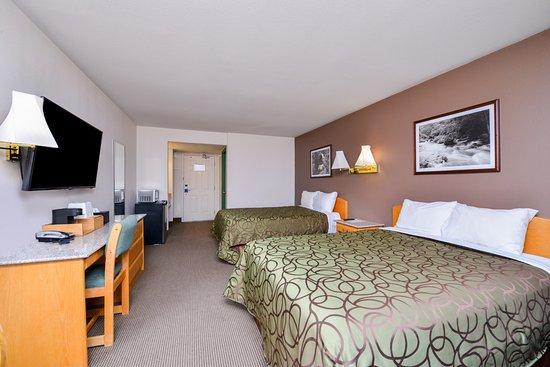 Valemount, Canada: Two Queen Beds