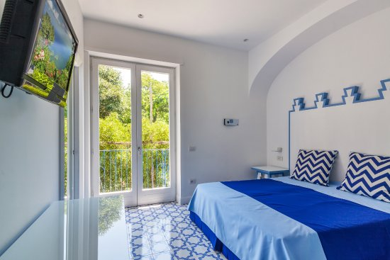 Hotel mignon updated 2018 reviews price comparison for Hotel mignon meuble sorrento italy