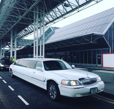 The Luxury Lincoln Town Car Baby Limo In Pearl White Picture Of