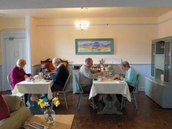 Whithorn, UK: breakfast in the dining room