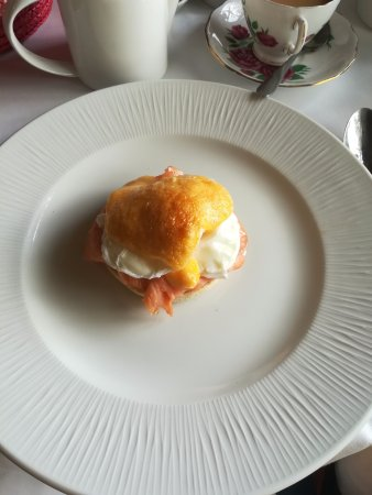 Staddlebridge, UK: Eggs royale