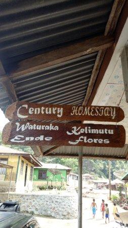 Ende, Indonesien: Desa Waturaka