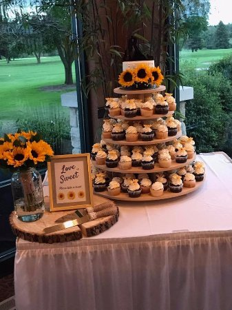 Lancaster, NY: Wedding cupcakes