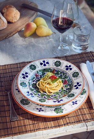 Deruta, Italia: Arabesco Colori, un piatto unico anche nel contenuto, la nostra Pasta fatta in casa!