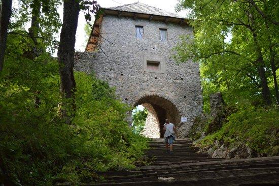 Muran, Slovakia: Vstupná brána Muránskeho hradu
