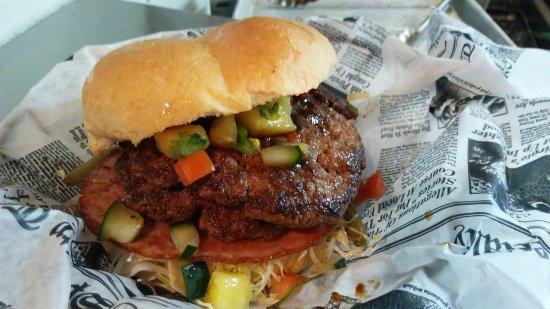 Manitowoc, WI: Don Ho smash burger