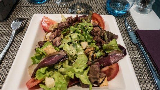 Ussac, France: Salade locale