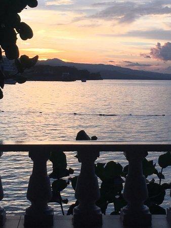 Jamaica Inn: Sunset from room 17's veranda.