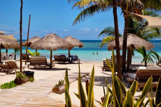 yaya beach entrance picture of yaya beach mahahual tripadvisor rh tripadvisor com