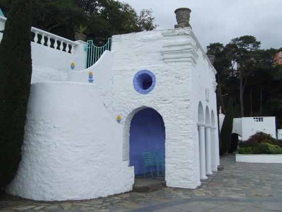 Portmeirion Village: beautiful in the light