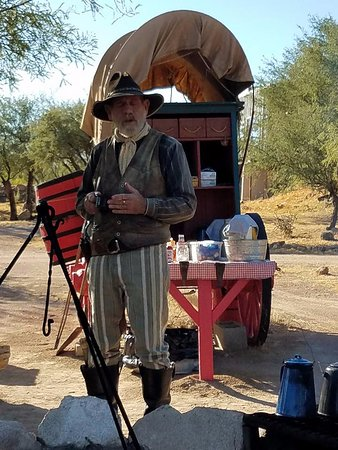 Tombstone Monument Ranch: Chuck wagon breakfast !
