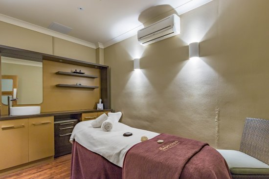 Collingham, UK: Spa treatment room