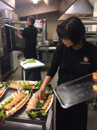 Esbjerg Municipality, Danemark : making sushi