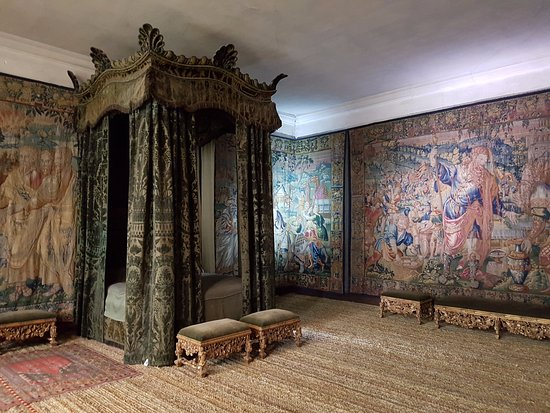 Room With Walls Lined With Tapestries Picture Of Hardwick Hall And