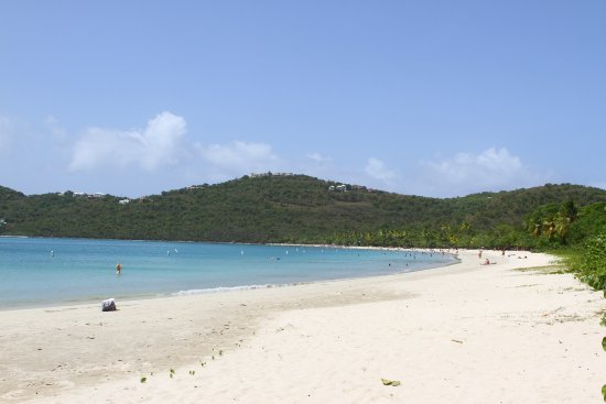 Magens Bay: The far end of the beach