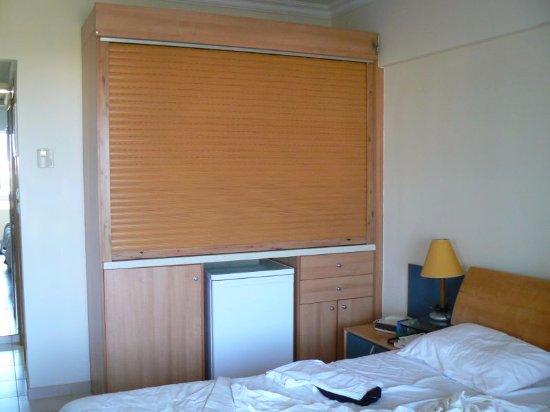 Le bureau coiffeuse des ann es 70 photo de sun beach for Appart hotel irlande