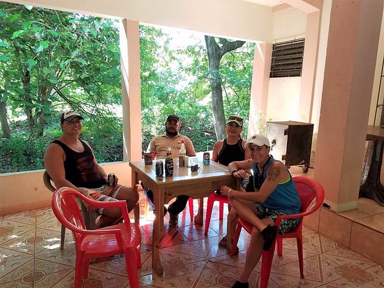 Sandy Bay, Honduras: Waiting with Larson for our delicious lunch