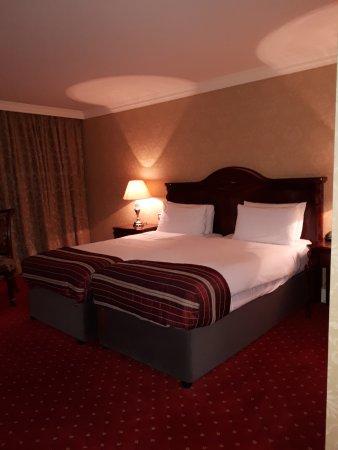 Citywest Hotel: Lit propre et confortable