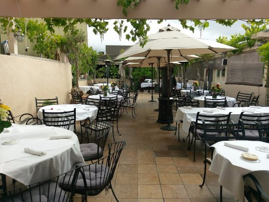 Trellis Restaurant: Private Party on the patio