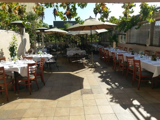 Trellis Restaurant: Wedding reception on the patio