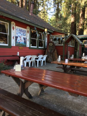 Ben Lomond, CA: Outdoor seating