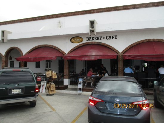 The Cabo Bakery : Outside.