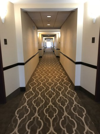 Forrest City, AR: Newly renovated hallways