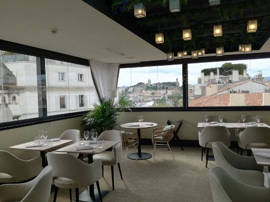 Le roof cannes restaurant avis num ro de t l phone for Meilleur resto cannes