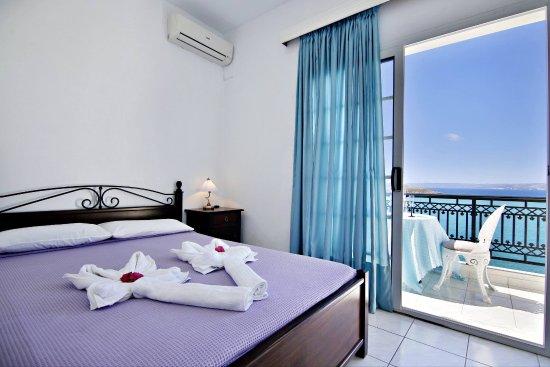 Isadora Apartments