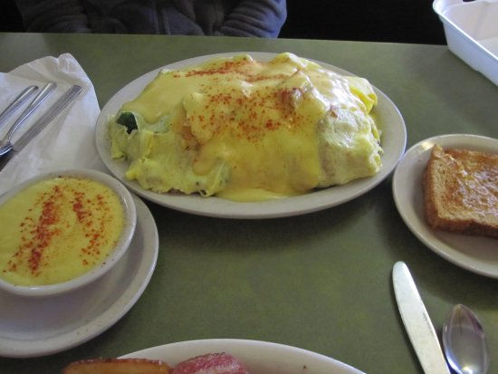 Mounds View, MN: Broccli Hollandaise Sauce Omlete