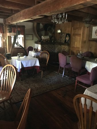 Steeles Tavern, VA: Dining area