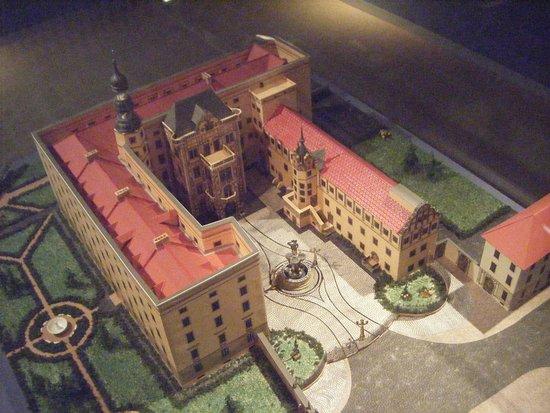 Museum für Stadtgeschichte Dessau Johannbau: maquette du château de Dessau avant 1945