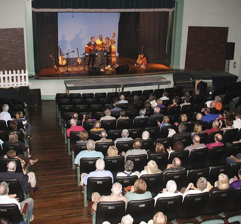 Walhalla, Carolina del Sur: A wide variety of performances and musical Genre's grace the stage.