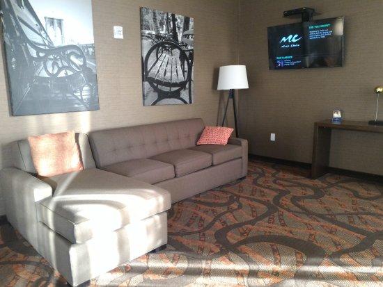 North Bergen, NJ: Sitting/TV Area in Lobby