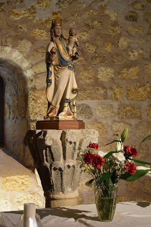 Sant Miquel de Fluvià, España: Virgen con el niño, talla policromada