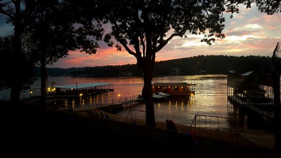 Breezy Point Resort: Amazing sunsets on the lake.