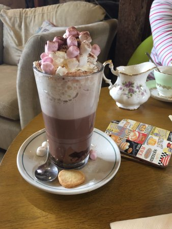 The Water Mill Tearooms: Amazing hot chocolate!