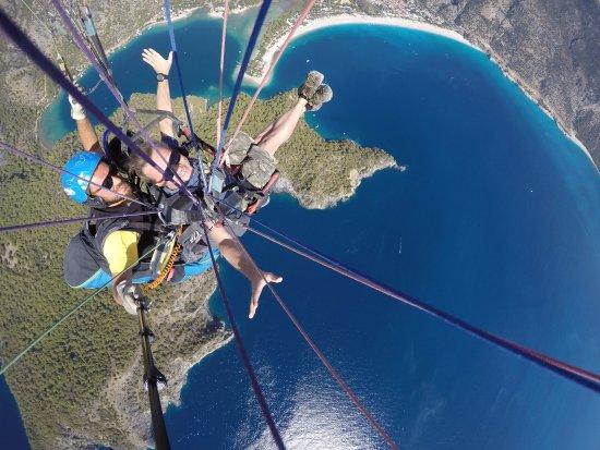 Tonoz Beach Hotel: Paragliding. Вид на пляж с двух км