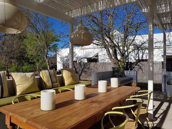 Prince Albert, Sudafrica: One of the 2 outdoor dining areas
