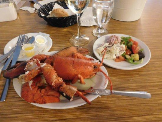 Baddeck Lobster Supper: Delicious lobster