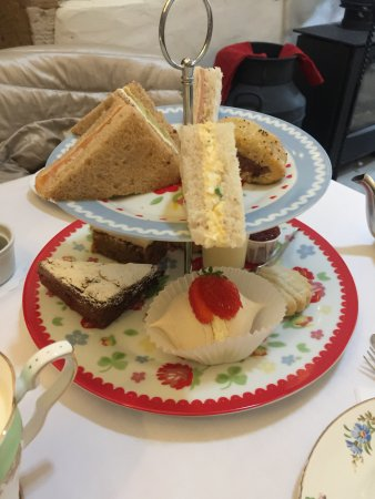 Archer's Cafe: Afternoon Tea for 3