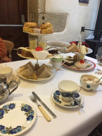 Bolton le Sands, UK: Afternoon Tea for 3