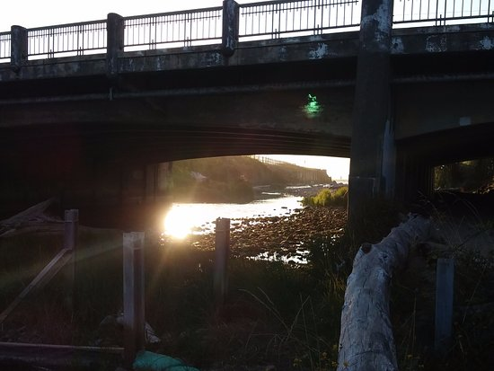 Lincoln City, OR: Bridge over D River, West side of park.