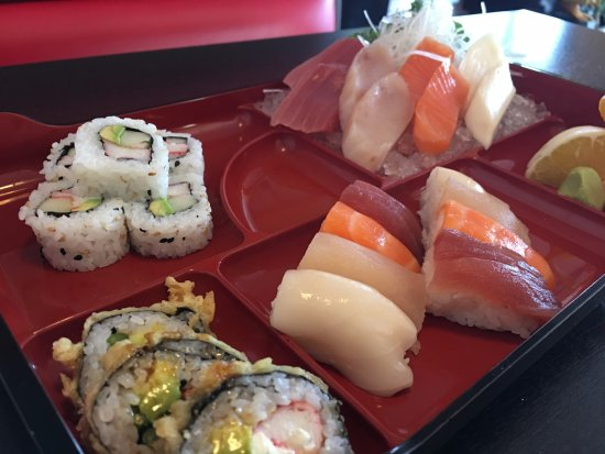 Thai Thai II Restaurant: Bento Box Sushi Sashimi Combo
