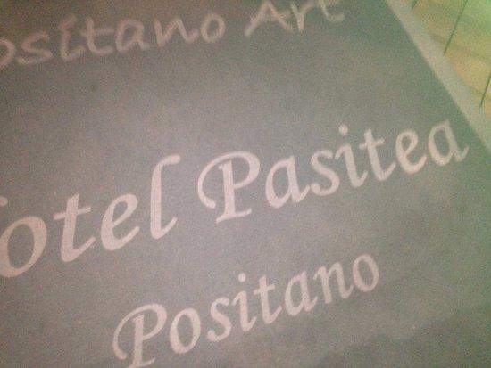 Positano Art Hotel Pasitea: Red carpet...(ok grey)