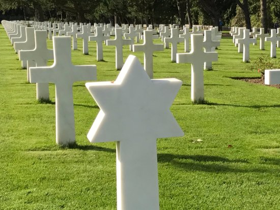 Rows Of One Random And Graves Picture Star Panorama David Are Crosses Caen Tripadvisor - Normandy eabfdebebeeaacd The Sporting Of The Green (and Gold)