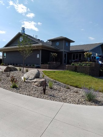 Spirit Lake, IA: New Clubhouse with beautiful interior and Awesome Food
