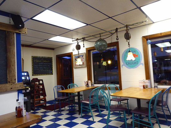 Interior decor picture of ocean bleu at gino 39 s fish for Decor market reviews