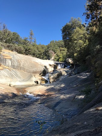 Bass Lake, CA: Willow creek goes along moderate and fast moving streams, Creek from Angel falls.   It's a moder